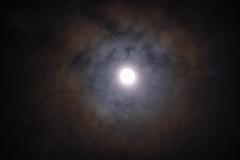 Maan met halo jaarwisseling 2020/2021